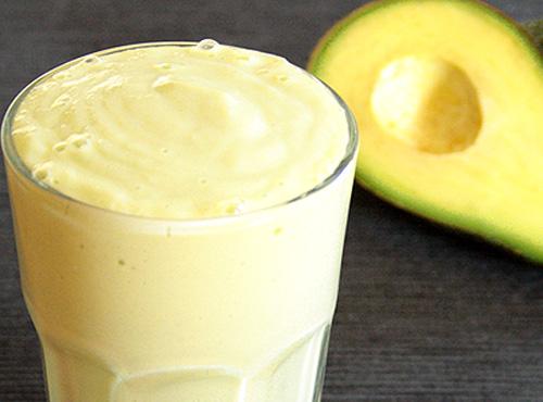Frullato energetico banana avocado