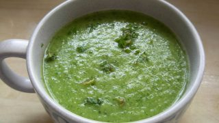 Zuppa di fragole e zucchine alla menta