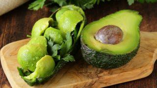 10 buone ragioni per mangiare avocado ogni giorno