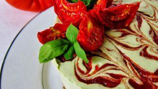 Ricetta cheesecake basilico pomodori