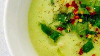Ricetta crudista zuppa avocado cipolla e mela