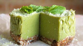 Torta crudista mango spinaci