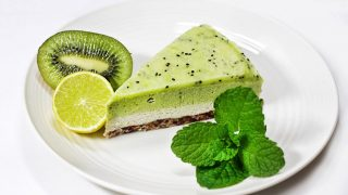 ricetta vegan cheesecake con Kiwi e Lime