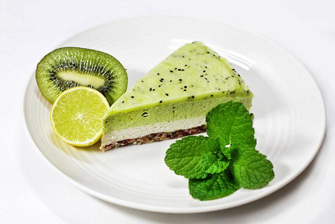 ricetta vegan cheesecake con Kiwi e Lime