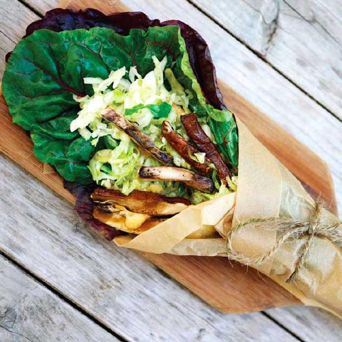 Ricetta involtino bietola verza funghi e salsa